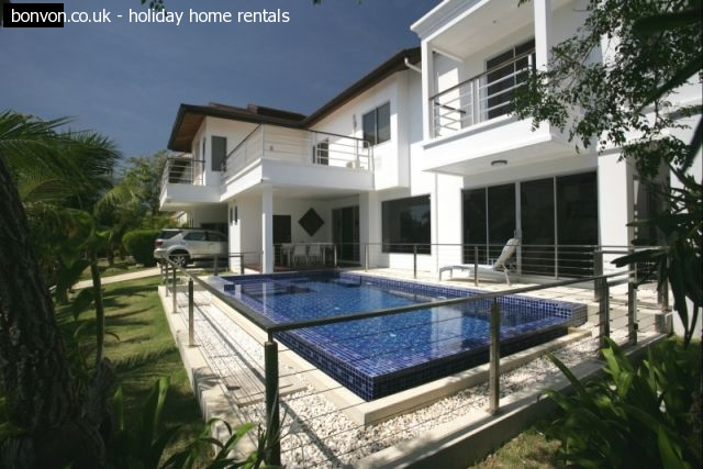 Fabulous Family Villa located in Boat Lagoon